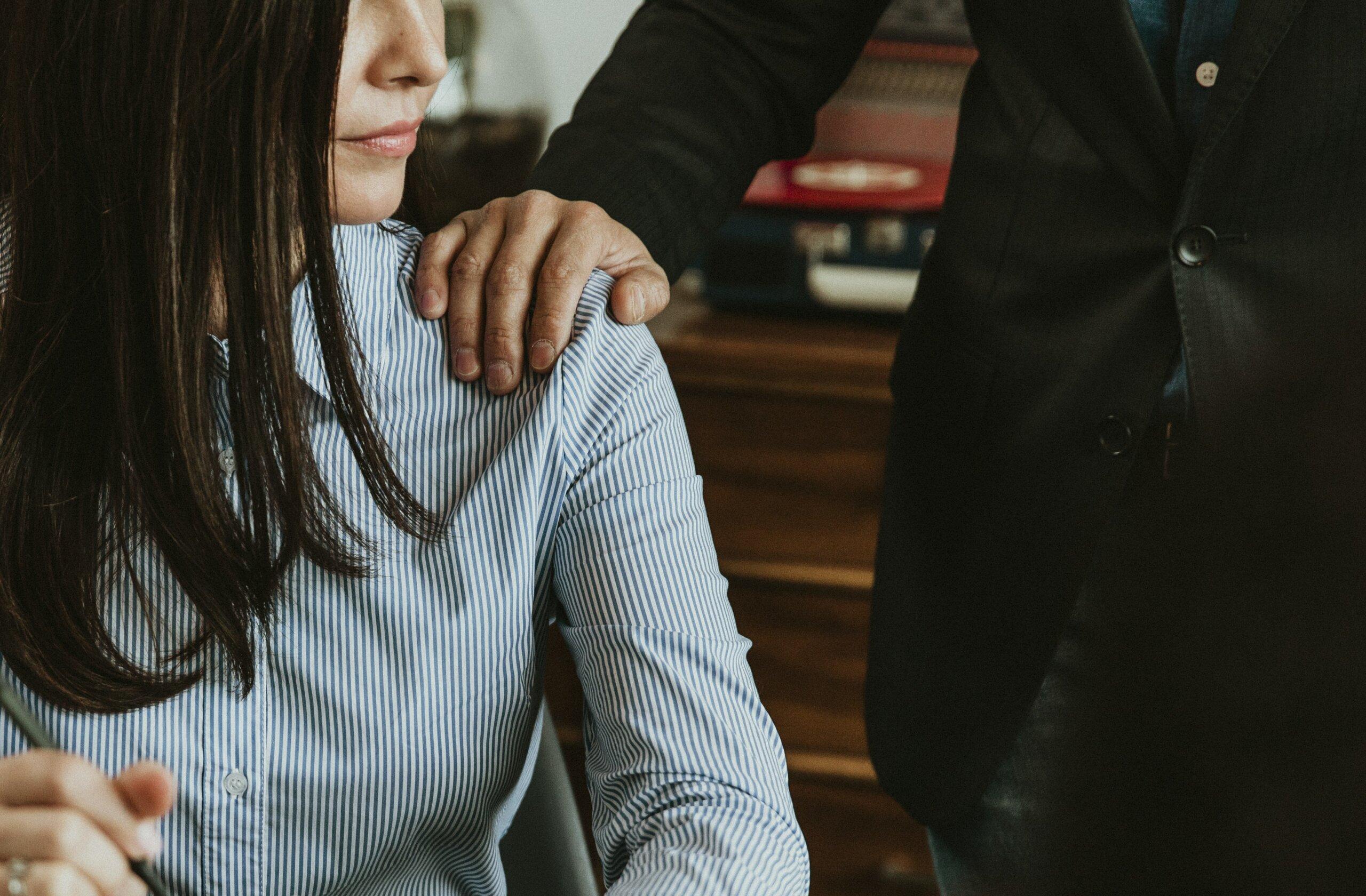 les thérapeutes travaillent en étroite collaboration avec la femme pour soulager l'anxiété