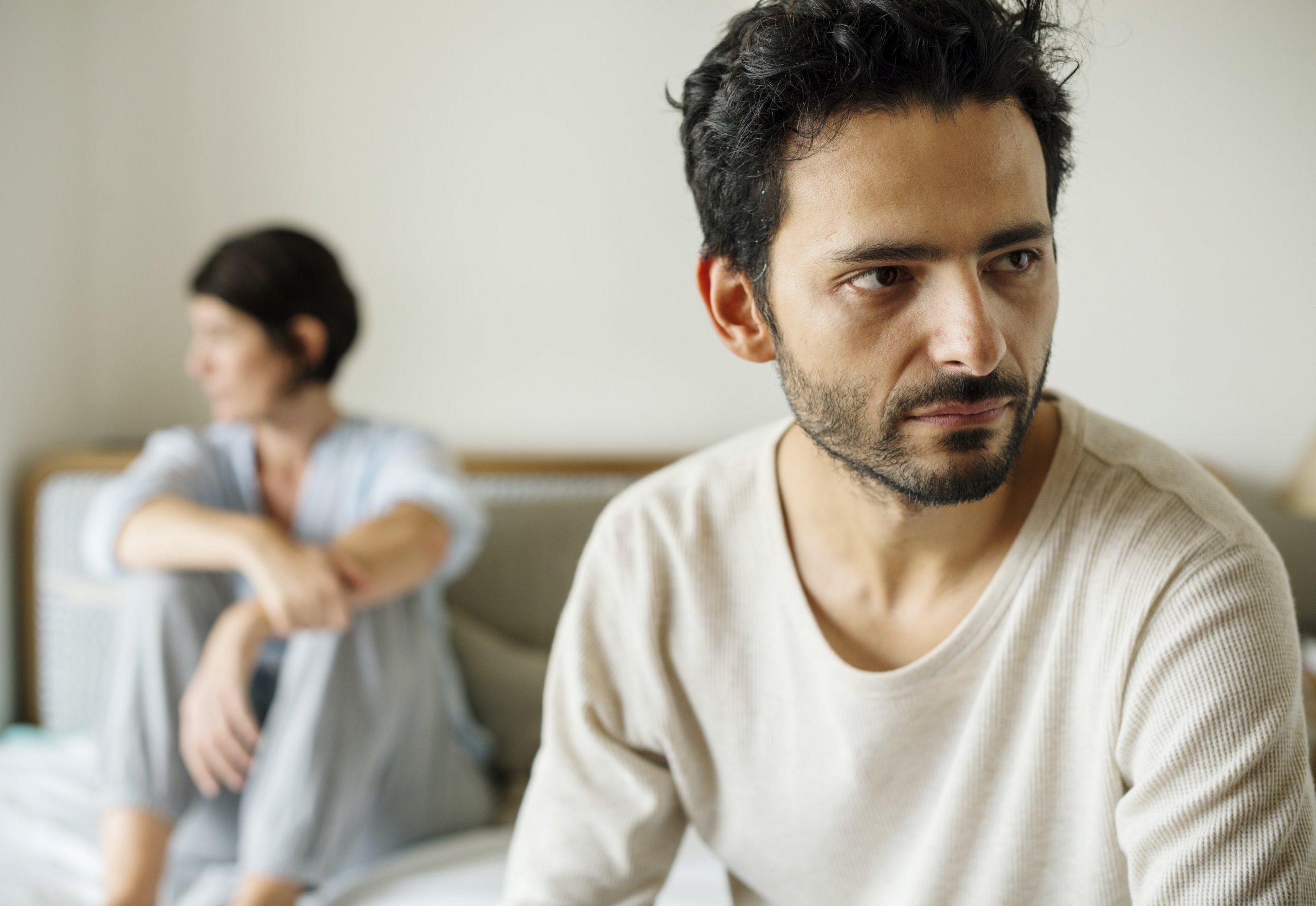Un couple a besoin d'aide pour les transitions de la vie